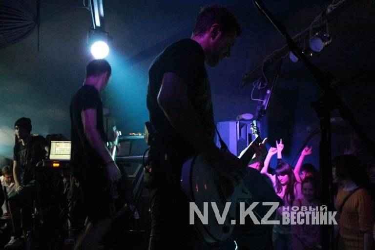 Секс на концерты в гримерке