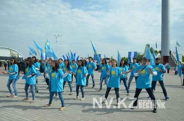 Как Караганда отметила День государственных символов Казахстана (фоторепортаж)