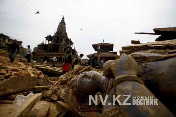 Deadly Nepal Earthquake Kills Over 1,000