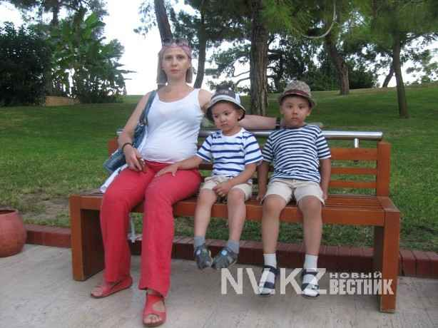 Ольга Кучеренко с детьми