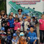 В Караганде полицейский потратил свои отпускные на праздник для детей-сирот (фото)