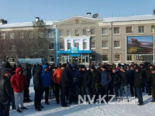 Трудовой конфликт остановил работу четырех шахт в Карагандинской области