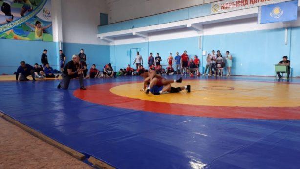 Карагандинские борцы в двух матчевых встречах победили сборную из США