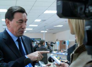 Министр внутренних дел Калмуханбет Касымов предложил продавать «золотые» госномера с аукциона.