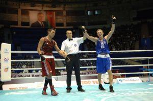 Боксёр из Украины Тарас Шелестюк добился реванша за проигрыш на прошлом чемпионате мира.
