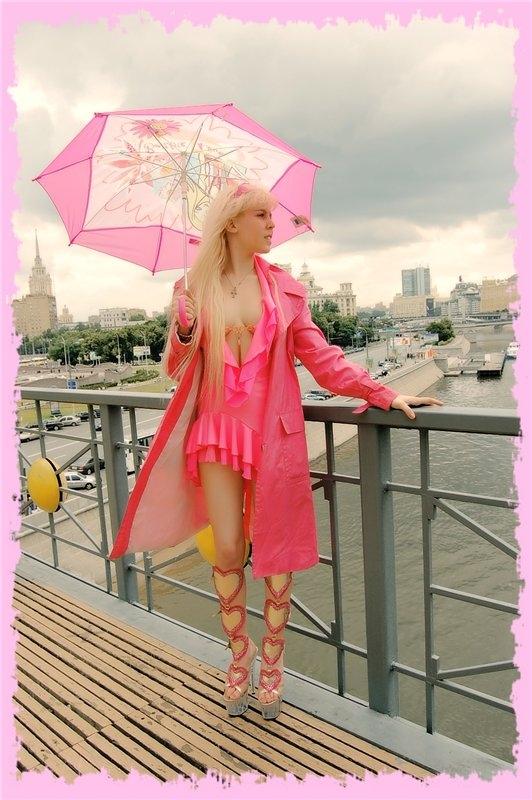 Карагандинка, грудью проложившая себе дорогу в московский шоу-бизнес: «У меня два высших образования третьего размера».