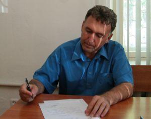 Иван Белоусов, также как и его оппонент, написал заявление об отказе от иска.