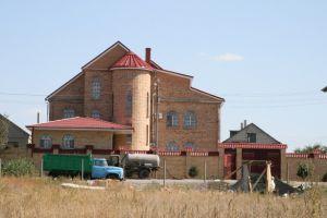 особняк общей площадью 642 квадратных метра.